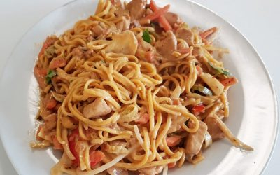 Chicken with Noodles and Yeungs Black Pepper Sauce