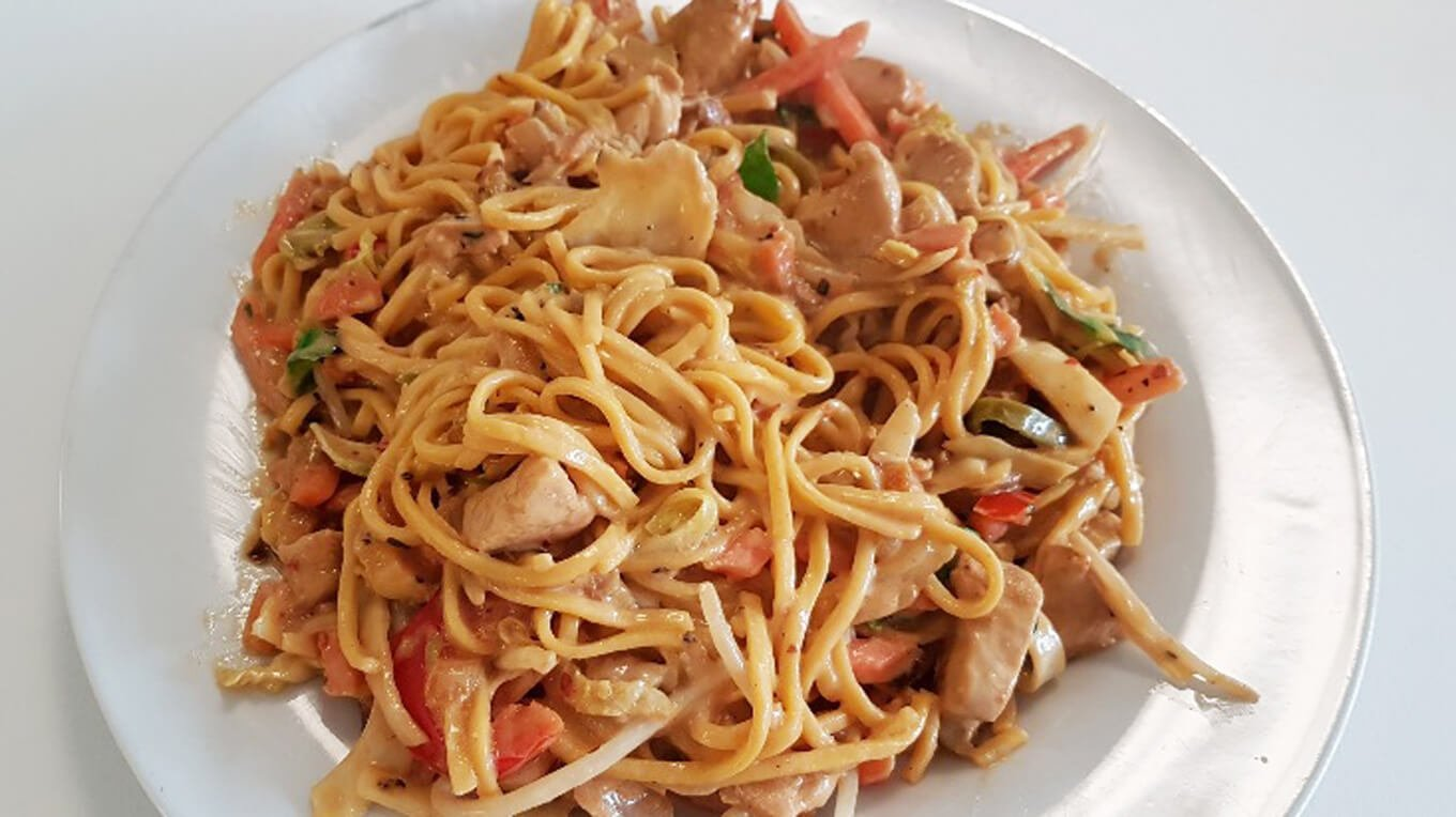 Chicken Noodles with Yeungs Black Pepper Sauce